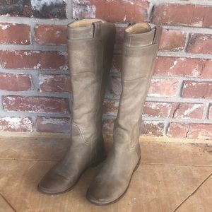 Frye Paige tall riding pull on boots size 6 1/2 B